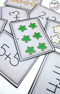 Christmas Cookies Array Center is a fun and interactive way for students to practice arrays. This is part of a December ELA and Math Center Bundle!
